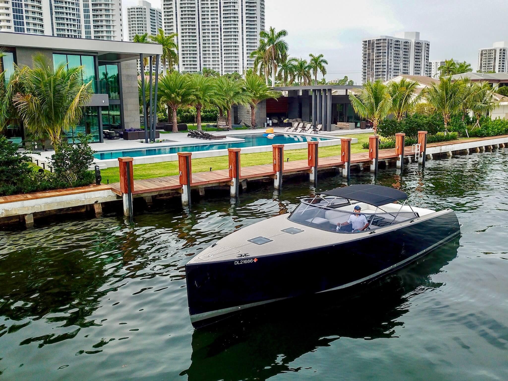 40′ Vandutch Black Sport Yacht