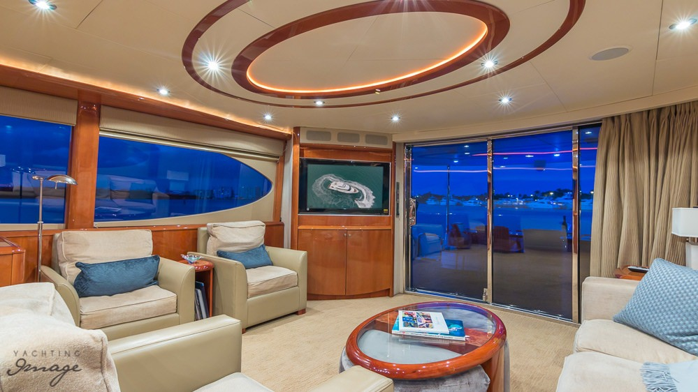 84′ Lazzara Motor Yacht