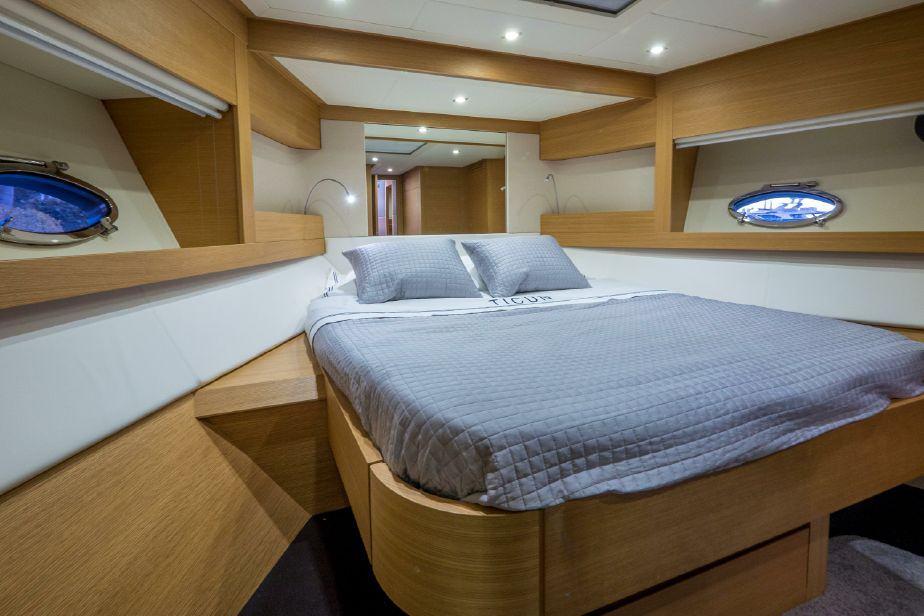 64′ Pershing Motor Yacht