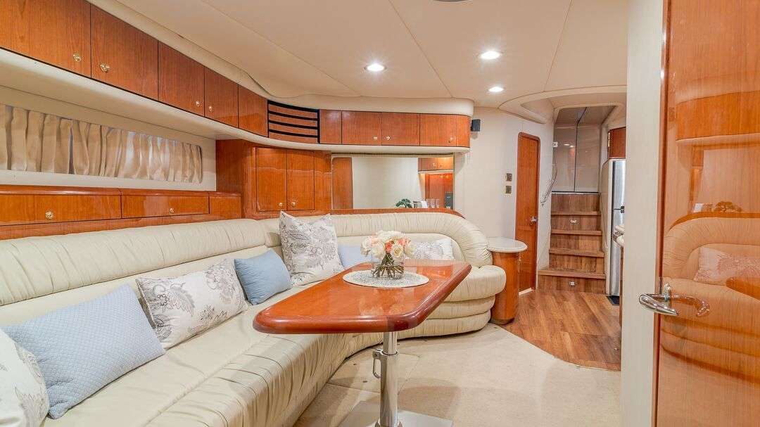 54′ Sea Ray Motor Yacht