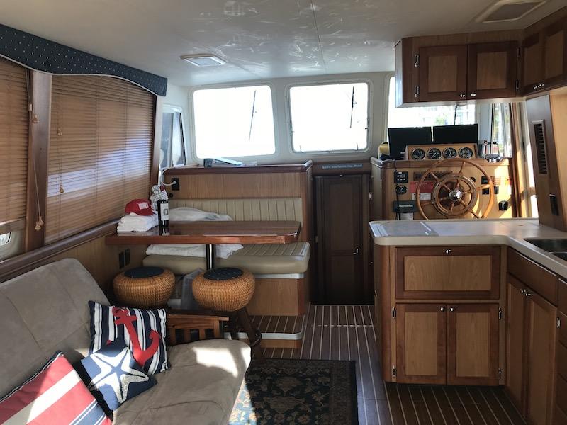 Diversion Bareboat Yacht