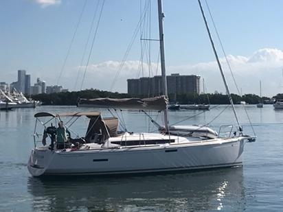 Hebareaux Bareboat Yacht