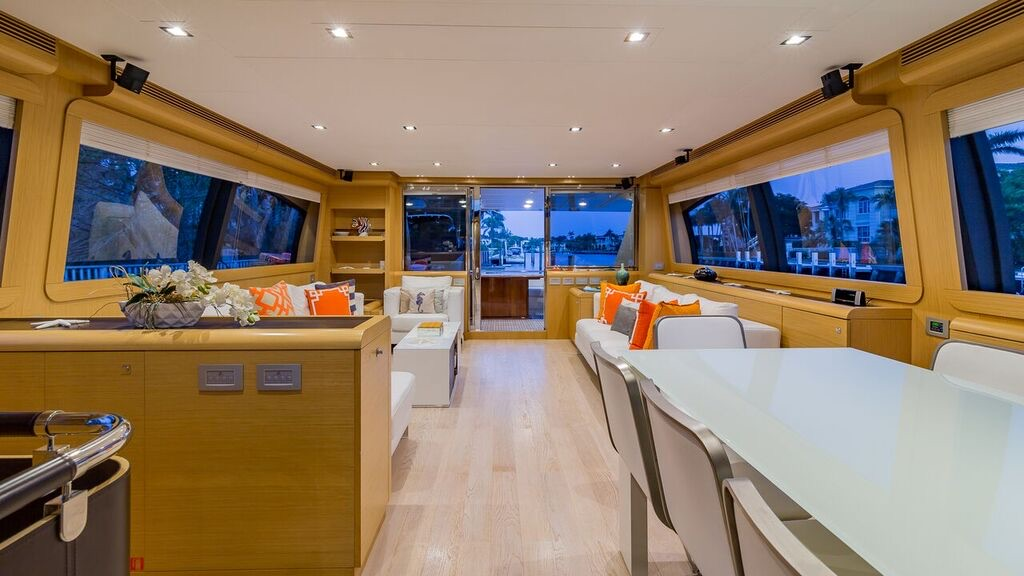80′ Ferretti Motor Yacht