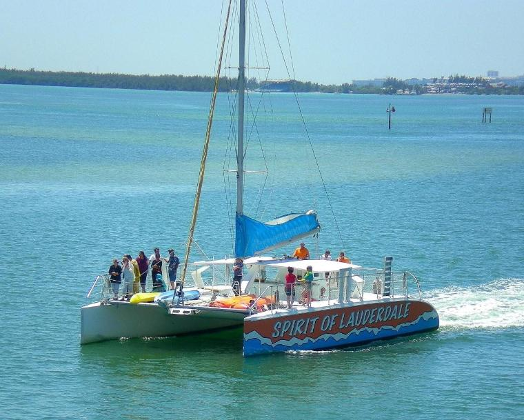 Spirit_of_Fort_Lauderdale_cruising_into_Miami-1.jpg