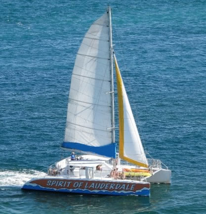 Spirit_of_Fort_Lauderdale_cruising_on_the_Atlantic-1.jpg