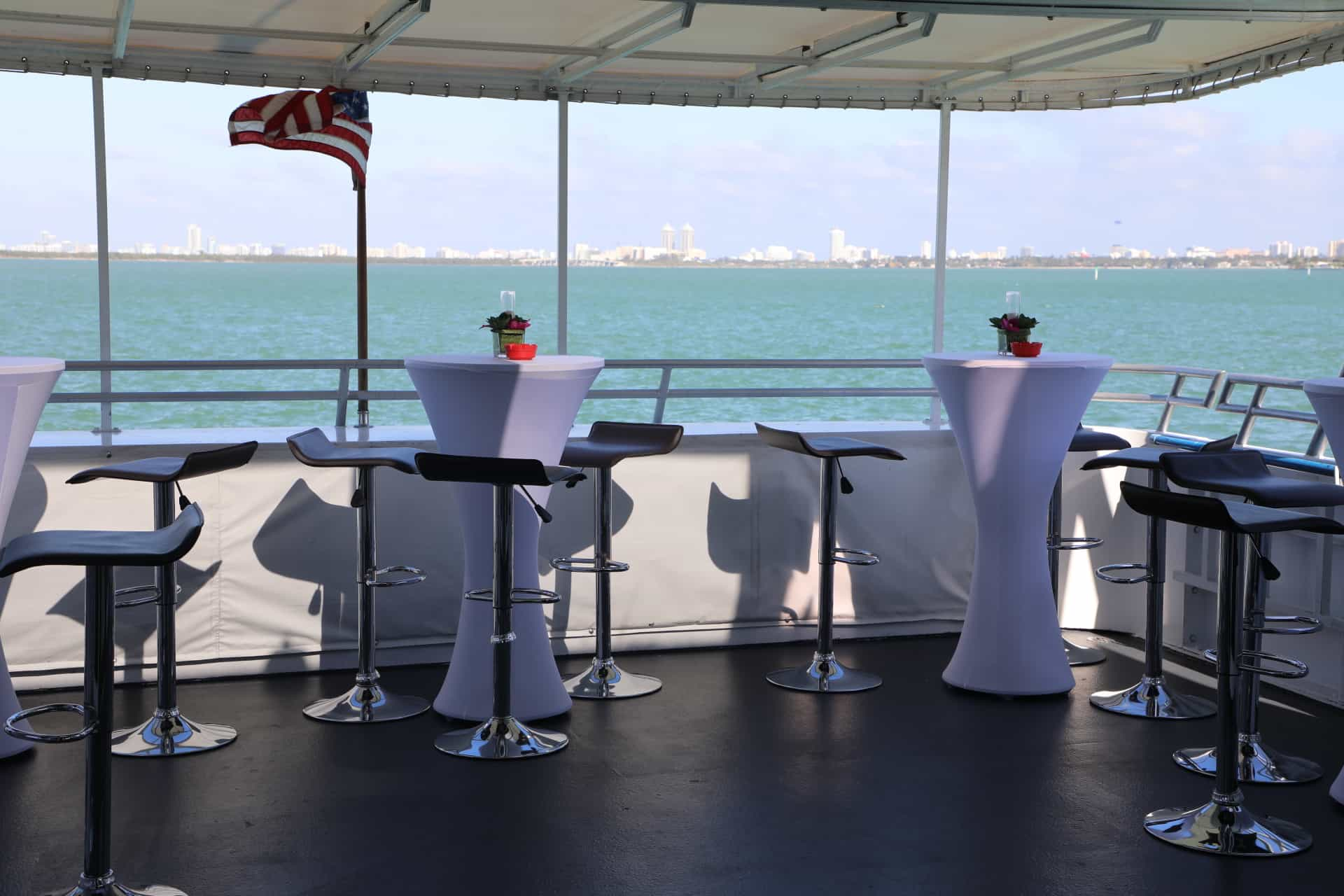 100' Midnight Sun Luxury Party Yacht 2
