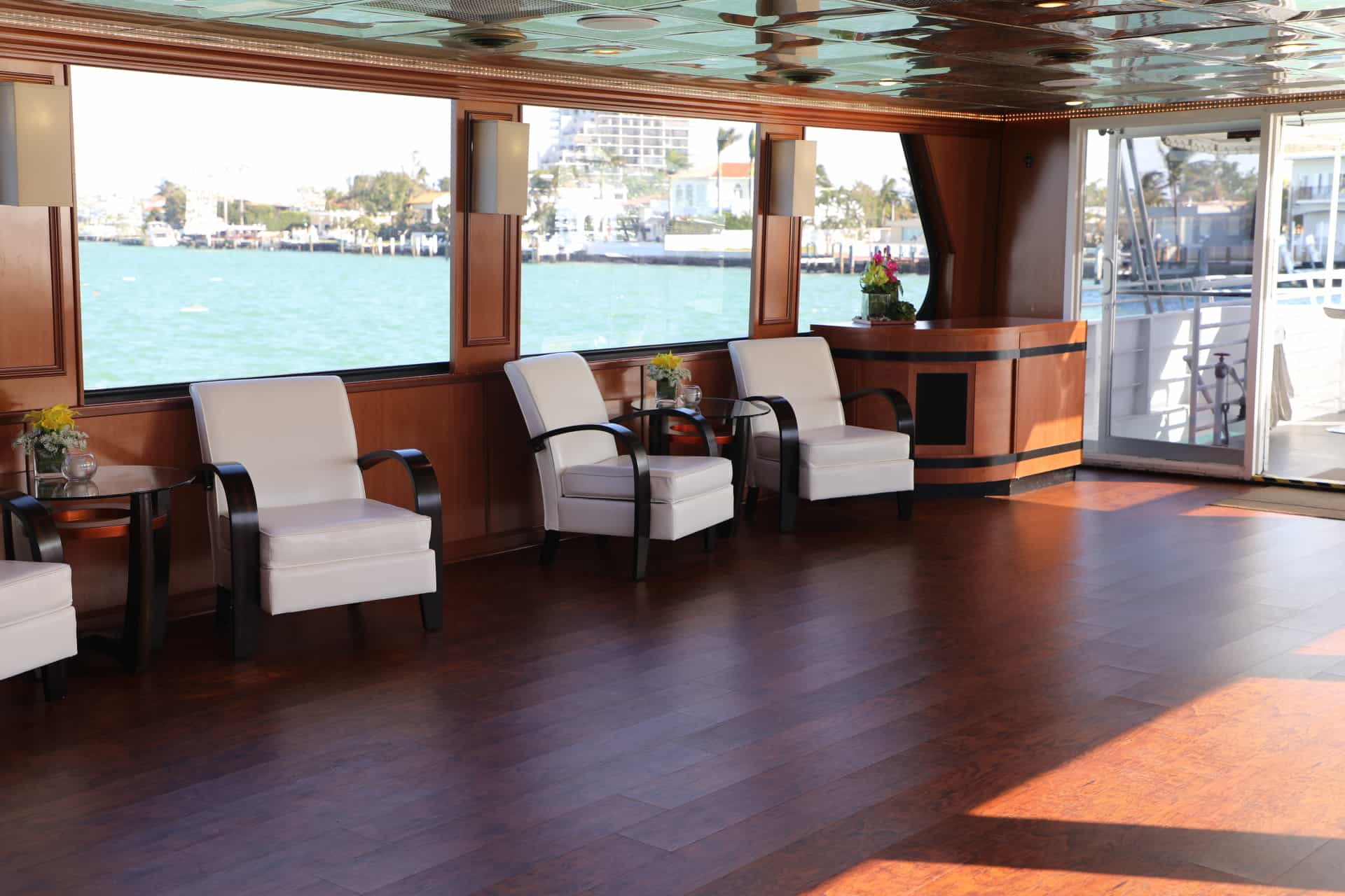 100' Midnight Sun Luxury Party Yacht 3